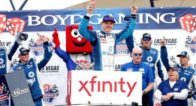 """Кайл Ларсон выиграл гонку серии """"Иксфинити"""" в Лас-Вегасе"""