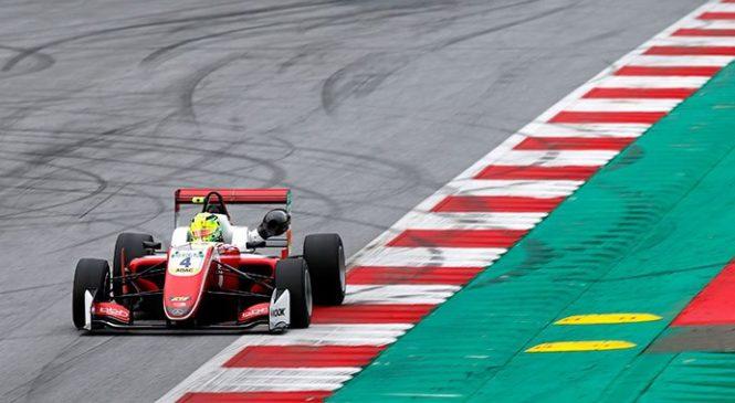 """Шумахер продолжил рвать, клон """"Премы"""" прибавил. Итоги вторых тестов Ф3"""