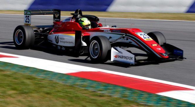 Шумахер стал лучшим в первый день тестов Ф3, Шварцман – 11-й