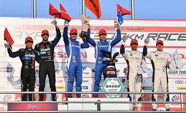 Победный дубль «Хонды» и подиум Баттона в обзоре стартового этапа «Супер ГТ» в Окаяме