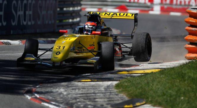 Лундгард завоевал поул в первой гонке североевропейской ФР2.0 в По, Смоляр стартует третьим