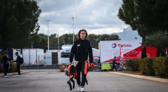 Смоляр уступил только Перони во второй тренировке североевропейской ФР2.0