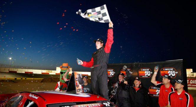 Коди Вандеруолл выигрывает обе гонки в Тусоне