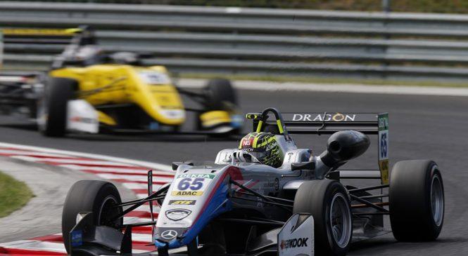 Ахмед вышел в лидеры Ф3, Шварцман финишировал пятым во второй гонке