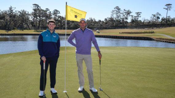 Денни Хэмлин с другими гонщиками НАСКАР переносят борьбу на поле для гольфа