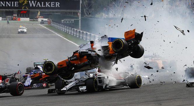 Валттери Боттас и Нико Хюлкенберг получили штрафы за инциденты на старте гонки в Бельгии