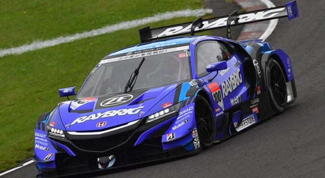"Ямамото и Баттон выиграли квалификацию ""Супер ГТ"" на трассе ""Суго"""