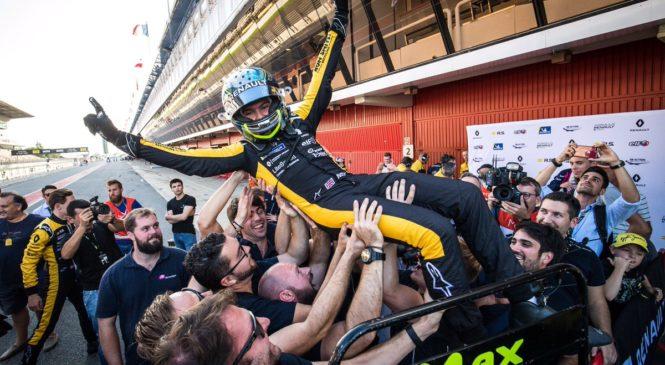 Фьютрелл стал чемпионом еврокубка «Формулы-Рено», Смоляр — 12-й