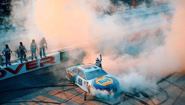 Желтый флаг перевернул игру или о чем говорят гонщики после Довера