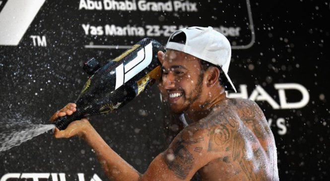 Хэмилтон выиграл последнюю гонку сезона, Кими остался третьим в ЛЗ