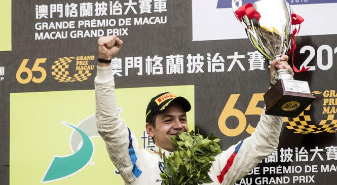 Фарфус принес «БМВ Тим Шницер» победу в Мировом кубке ФИА ГТ