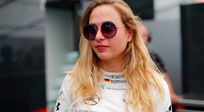София Флёрш вернётся в гонки в 2019 году