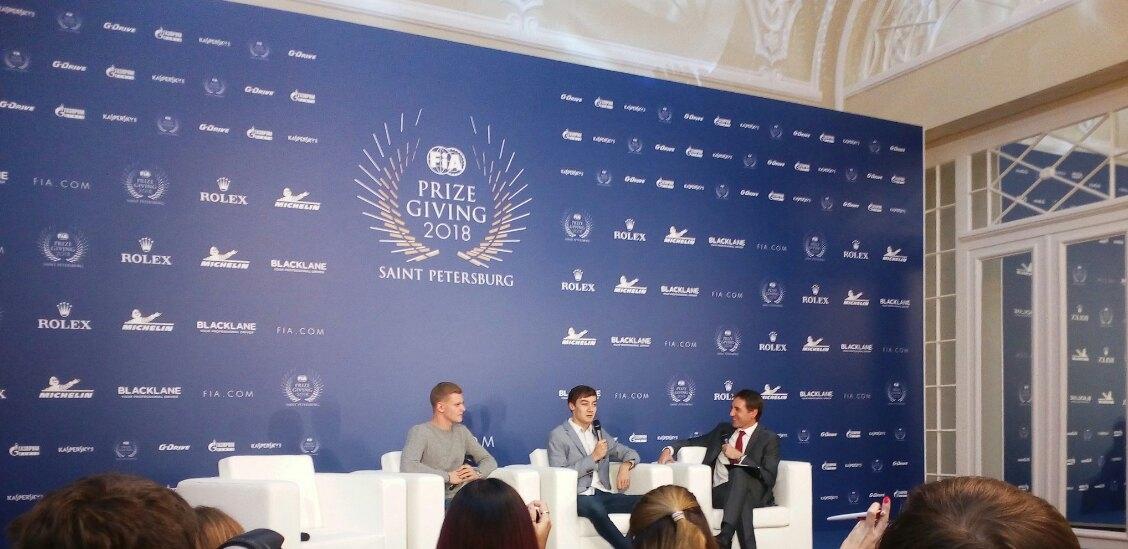 Мик Шумахер и Джордж Расселл на пресс-конференции ФИА в Санкт-Петербурге
