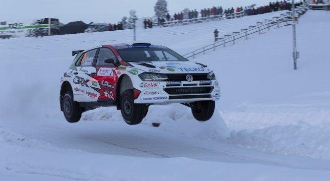 Эмиль Линдхольм выиграл зимнее Ралли Лапладнии, Боттас финишировал 5-м
