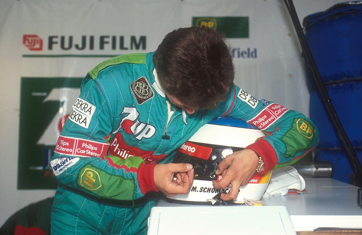 Михаэль Шумахер в боксах во время Гран-при Бельгии 1991 года