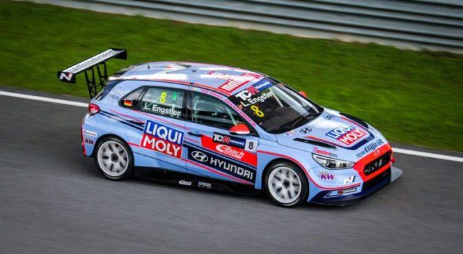 Двойной триумф Энгштлера в дебюте малайзийского TCR