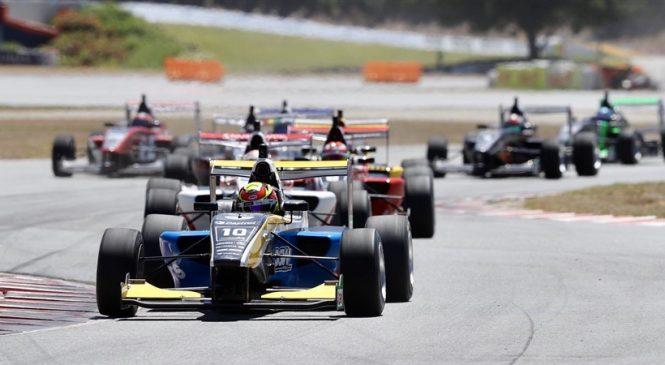 Лоусон выиграл первую гонку нового сезона «Формулы-Тойота»