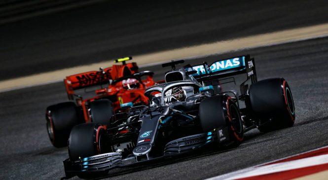«Феррари» упустили победный дубль в Бахрейне, гонка завершилась под сейфти-каром