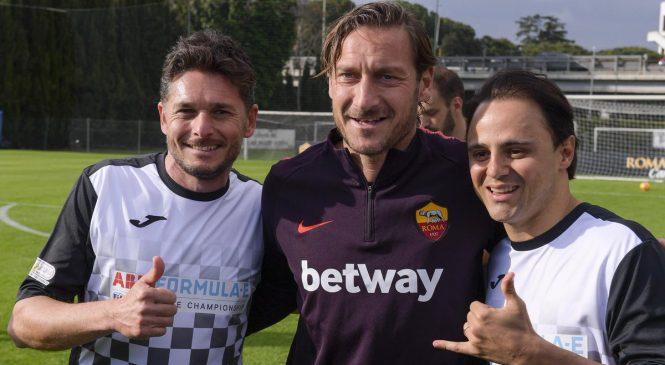 Сборная «Формулы-Е» сыграла вничью с командой легенд «Ромы» в благотворительном матче