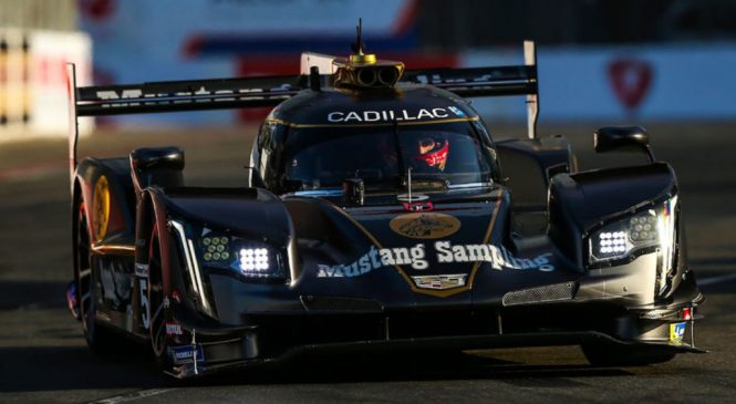 «Экшн Экспресс» выиграли хаотичную гонку ИМСА в Лонг-Бич