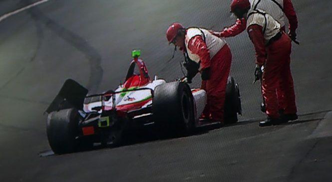 Патрисио О'Уард стал третьим гонщиком, разбившим машину в тренировках «Инди-500»