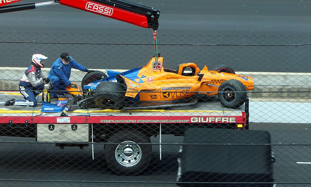 Автомобиль Фернандо Алонсо после аварии