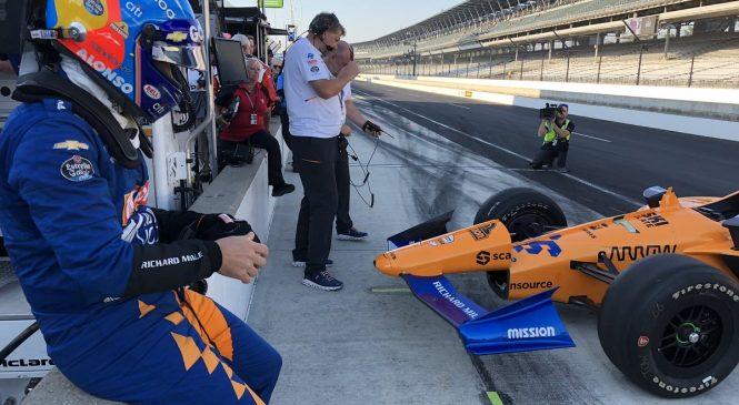Фернандо Алонсо быстрейший в субботней тренировке «Инди-500»