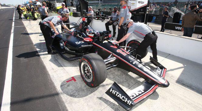 «Пенске» быстрее всех в первый день тренировок «Инди-500», Алонсо столкнулся с проблемами