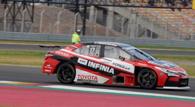Росси и Сантеро принесли «Тойоте» дубль на третьем этапе «Супер ТК2000»