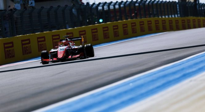 Армстронг стартует с поула на этапе Ф3 в Австрии, Шварцмана подвела машина