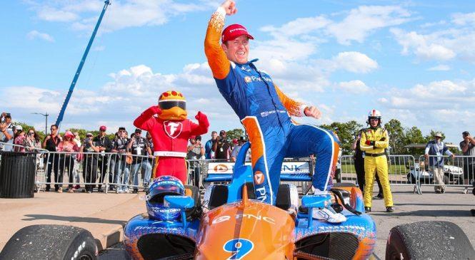 Скотт Диксон стал трёхкратным победителем гонки индикаров в Детройте