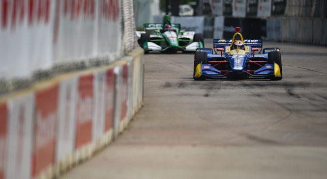 Росси стал быстрейшим гонщиком пятницы Гран-при Детройта