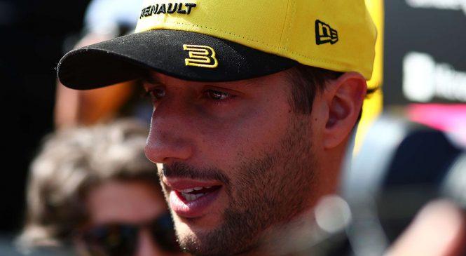 Бывший консультант Риккардо требует от гонщика более €11 миллионов