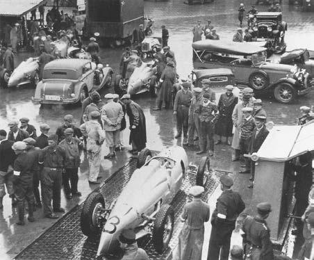Техинспекция автомобилей на Нюрбургринге в 1934 году