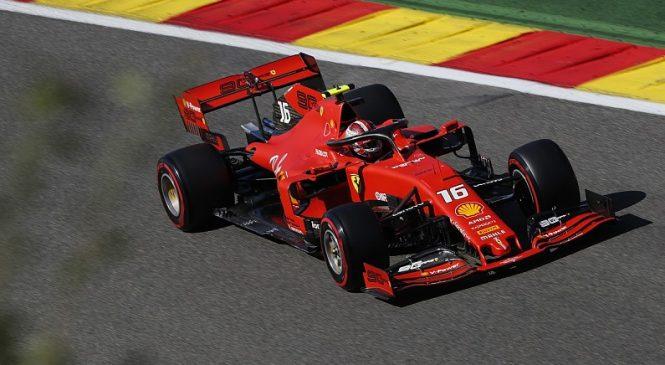 «Феррари» сохранили лидерство перед квалификацией в Бельгии, Хэмилтон разбил машину
