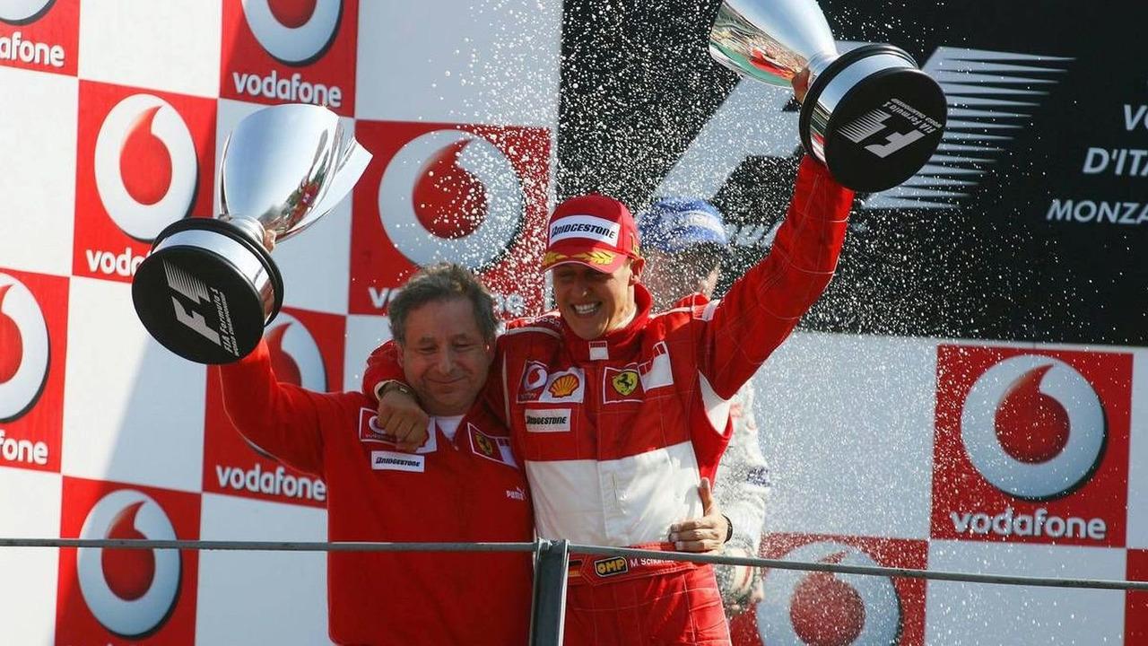 Жан Тодт и Михаэль Шумахер на подиуме БП Италии 2006 года