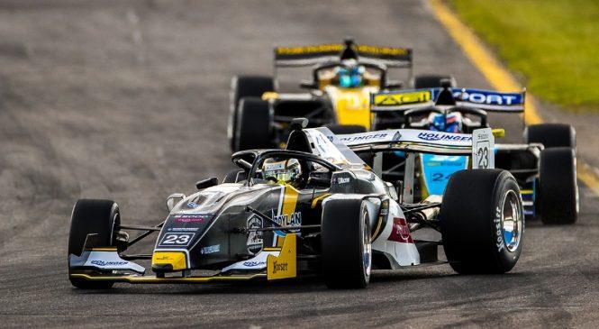 Макроу стал победителем первой квалификационной гонки S5000