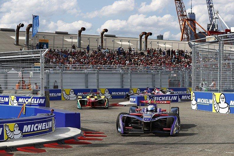 """Десятка сильнейших гонщиков третьего сезона """"Формулы-Е"""""""