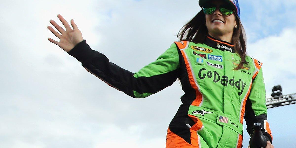 """""""Гоу Дэдди"""" станет спонсором Даники Патрик на две последние гонки в карьере"""