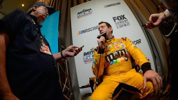 Кайл Буш продолжает враждовать с молодыми гонщиками