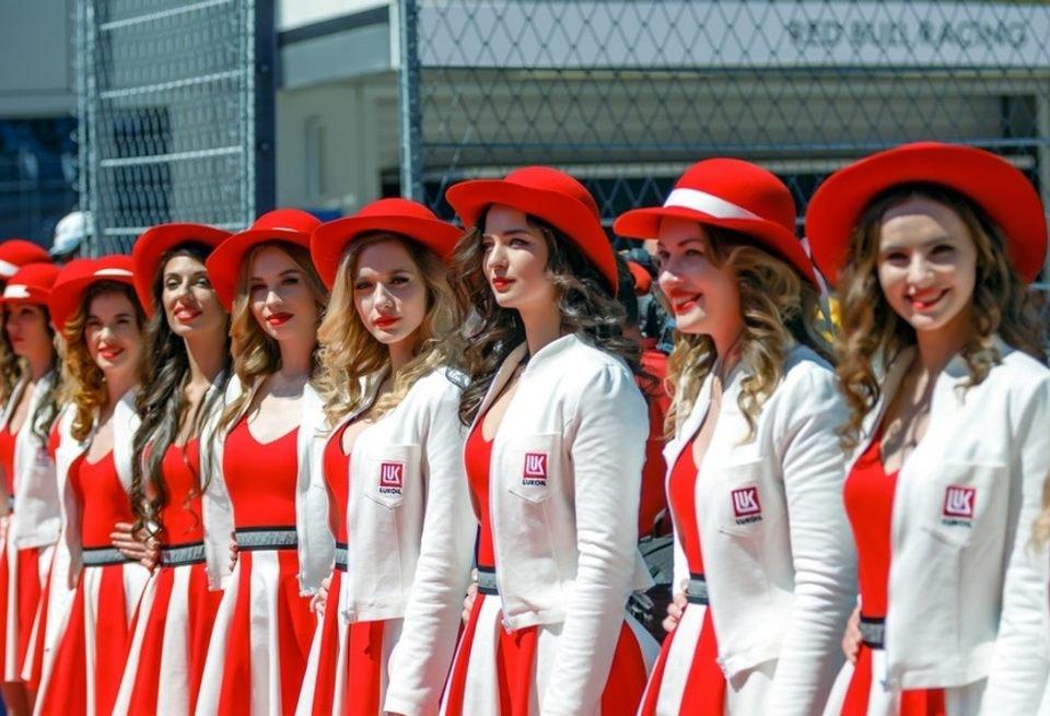 Грид-гёрлз на Гран-при России в Сочи