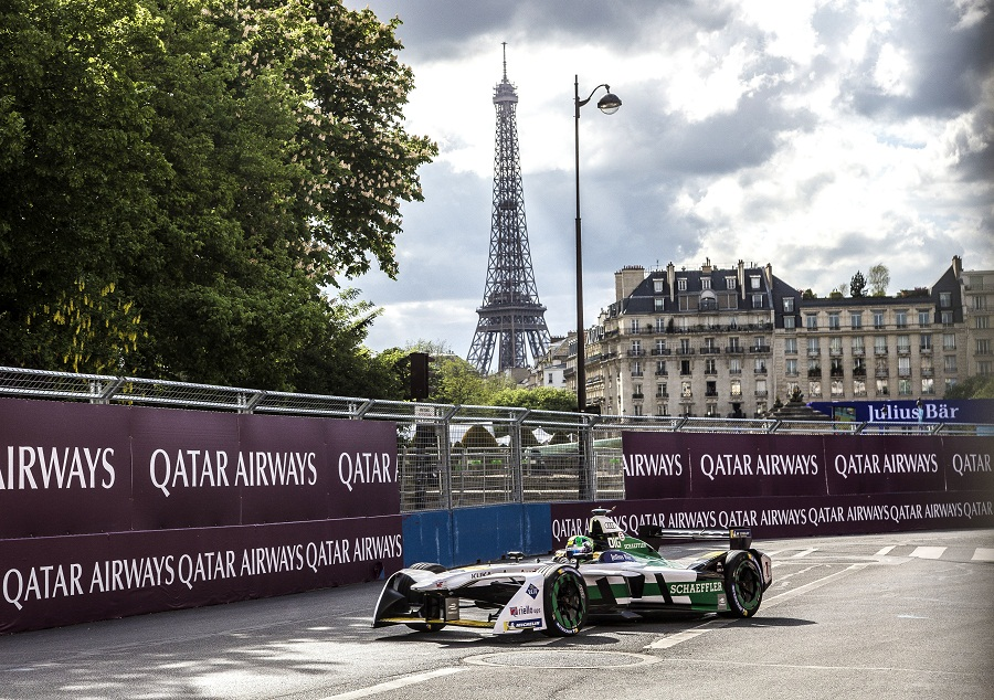 """""""Формула-Е"""" в Париже"""