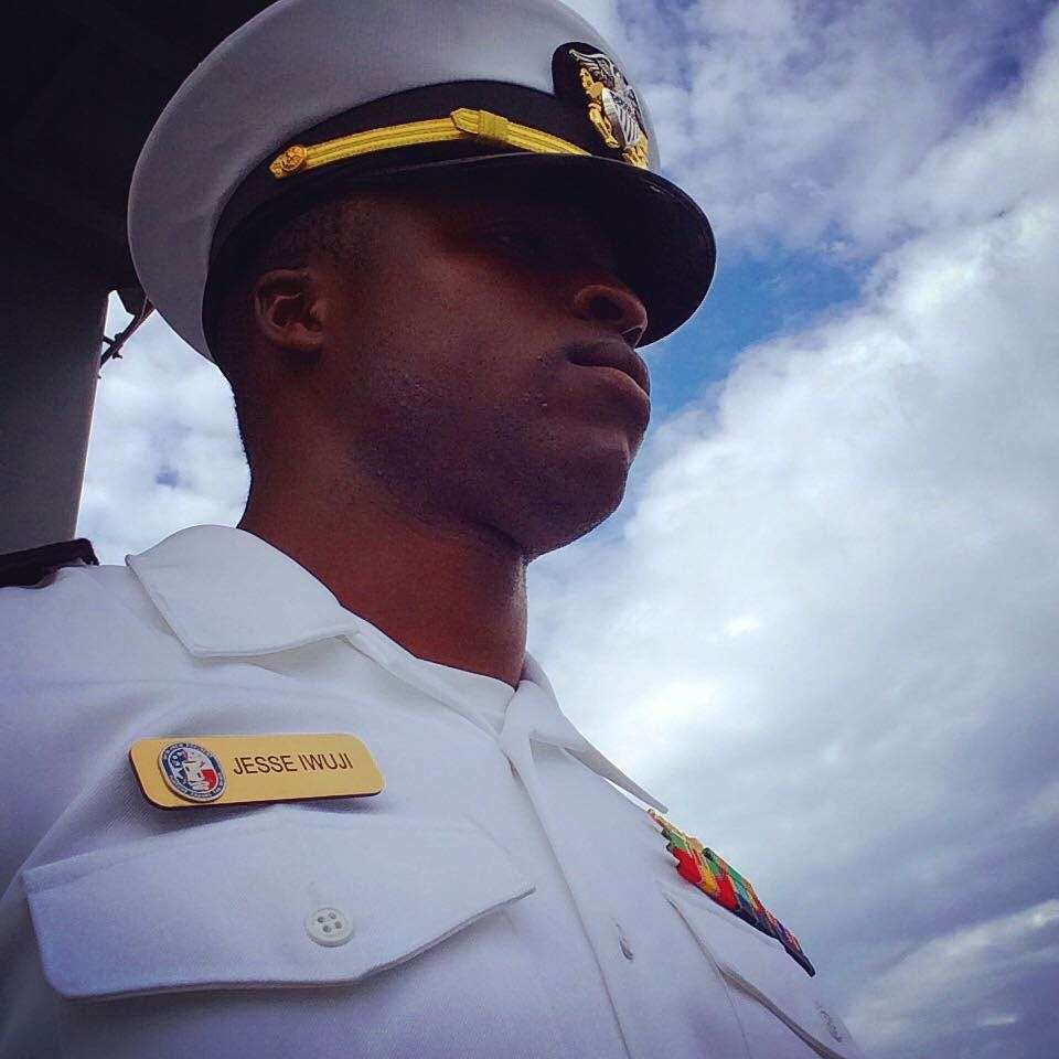 Ивуджи во время службы в ВМФ
