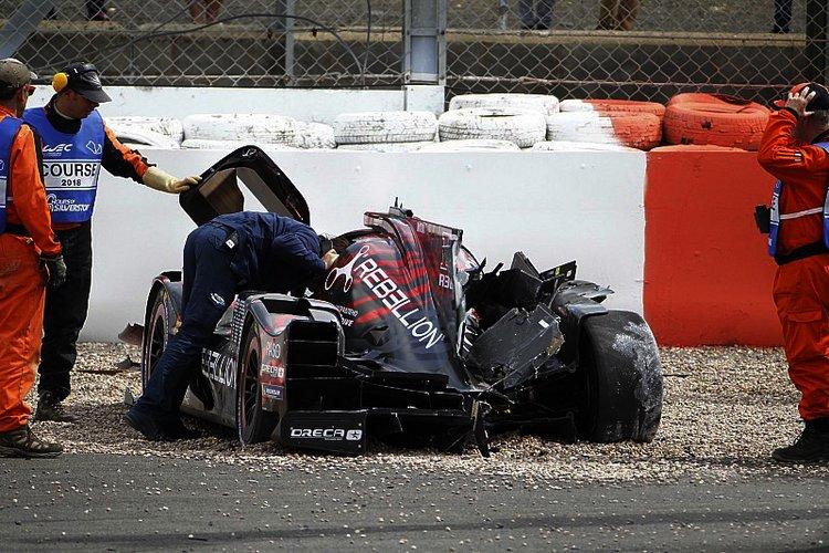 Автомобиль Сенны после аварии