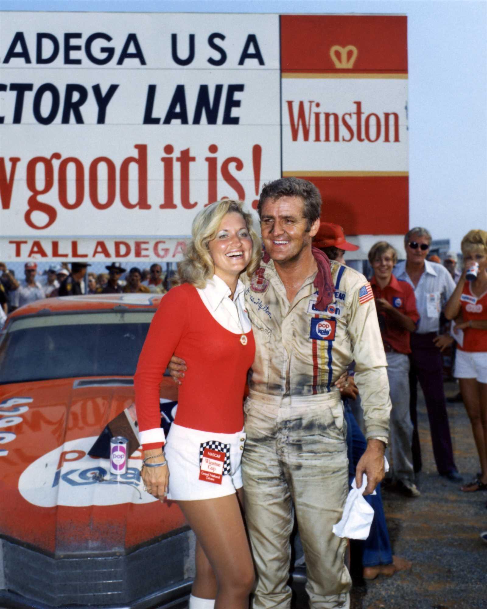 Джеймс Хайлтон, победитель второй гонки на суперспидвее в 1972 году