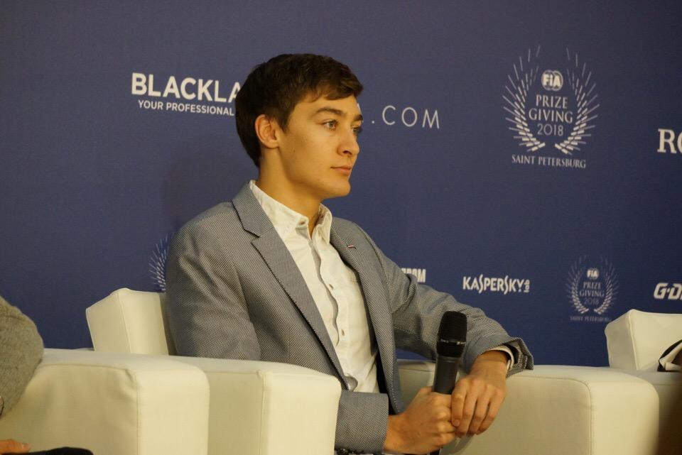 Джордж Расселл на пресс-конференции ФИА в Санкт-Петербурге