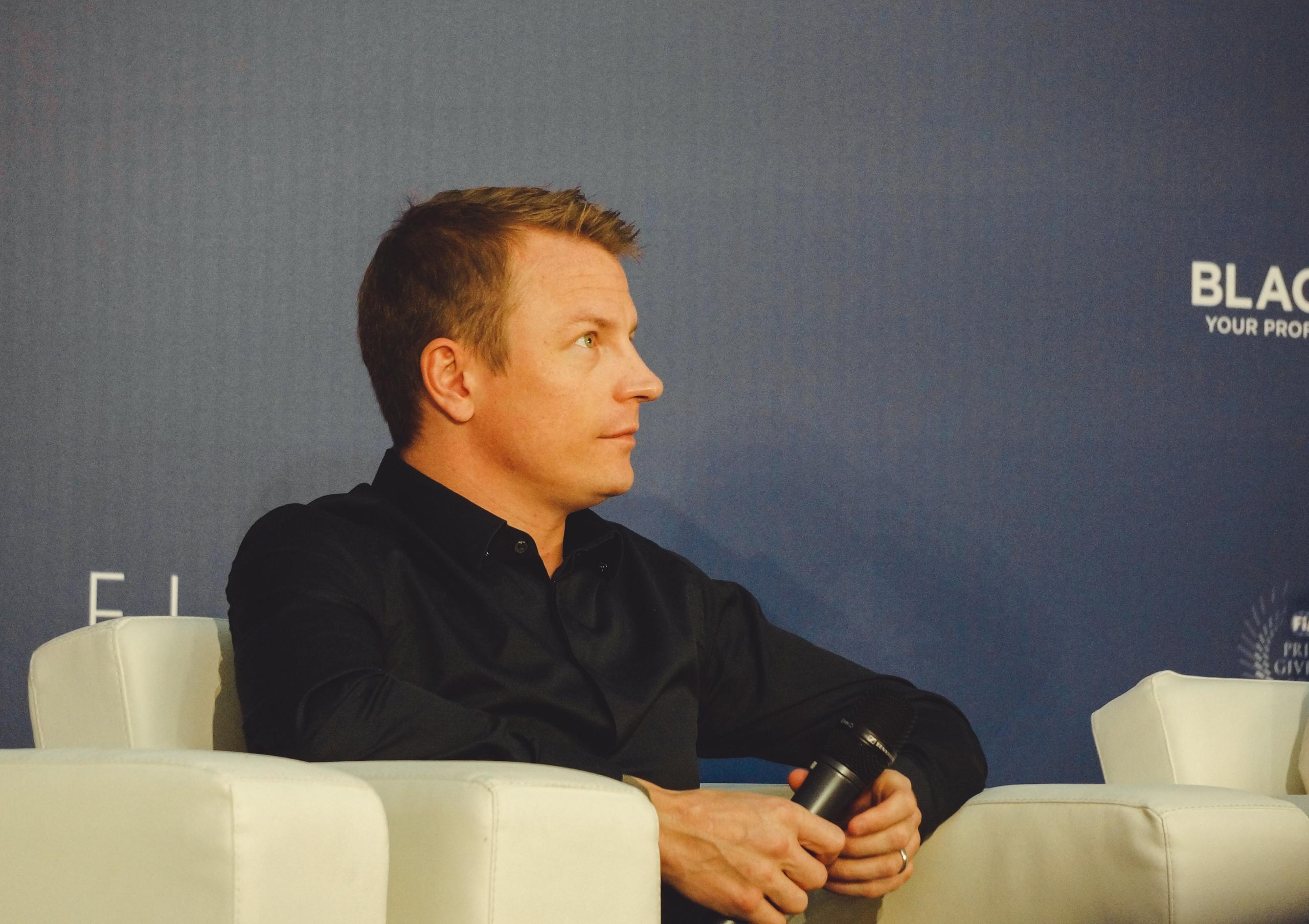Кими Ряйккёнен во время пресс-конференции ФИА в Санткт-Петербурге