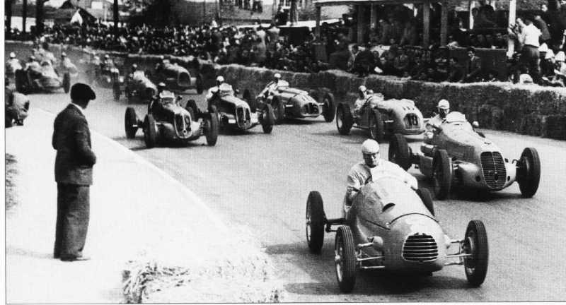 Старт Гран-при По 1948 года, самой первой гонки Ф1