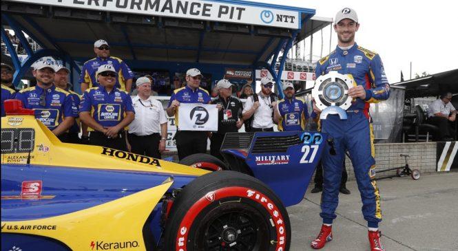 Росси выиграл квалификацию к первой гонке Гран-при Детройта