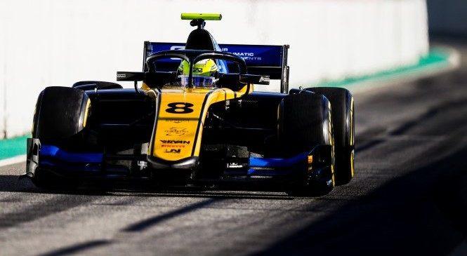 """Лука Гьотто выиграл спринтерскую гонку """"Формулы-2"""" в Сочи, Маркелов 10-й"""